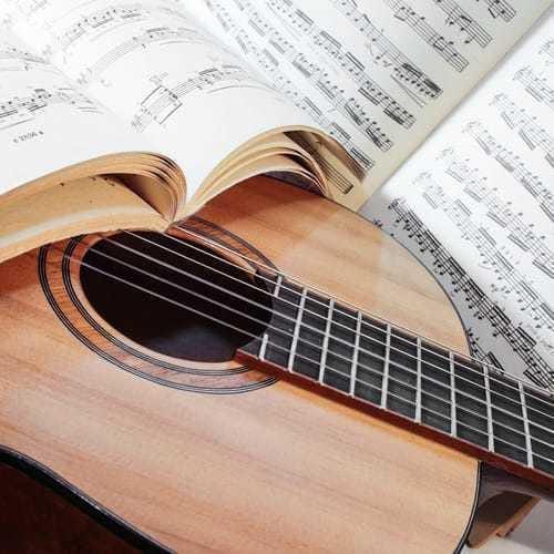 Musik, Instrumente und Gesang